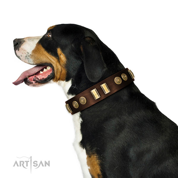 Strong D-ring on full grain natural leather dog collar for handy use