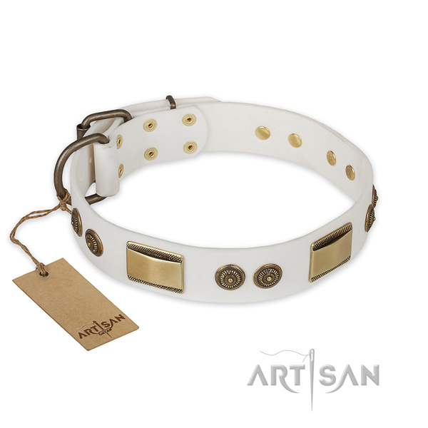 Impressive full grain leather dog collar for comfortable wearing
