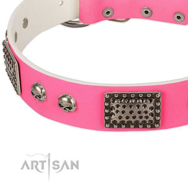 Reliable hardware on full grain leather dog collar for your dog