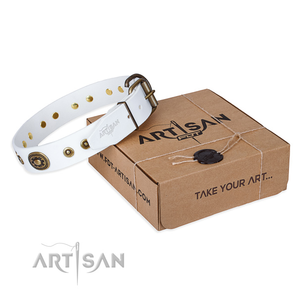 Leather dog collar made of top rate material with strong buckle